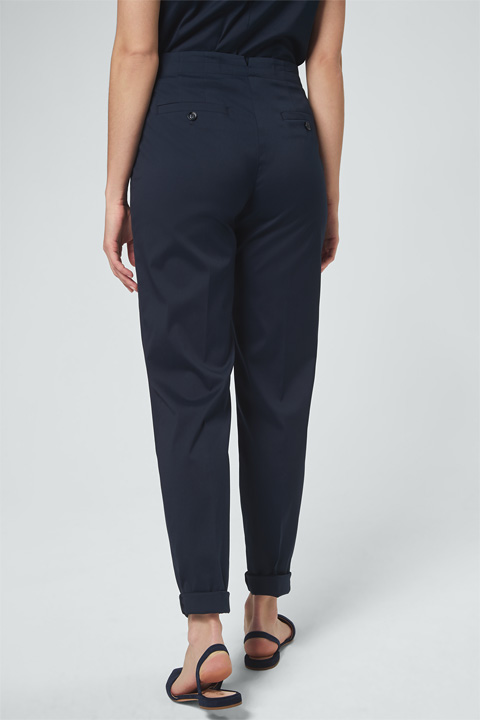Baumwollstretch-Bundfaltenhose in Navy