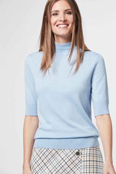 Feinstrick-Shirt in Hellblau