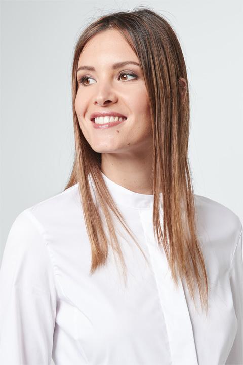 Stehkragen-Bluse in Weiß