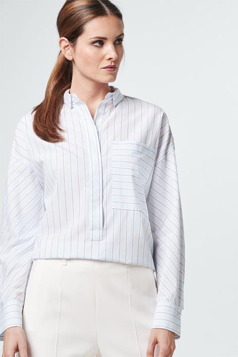 Oversize-Bluse in Hellblau gestreift