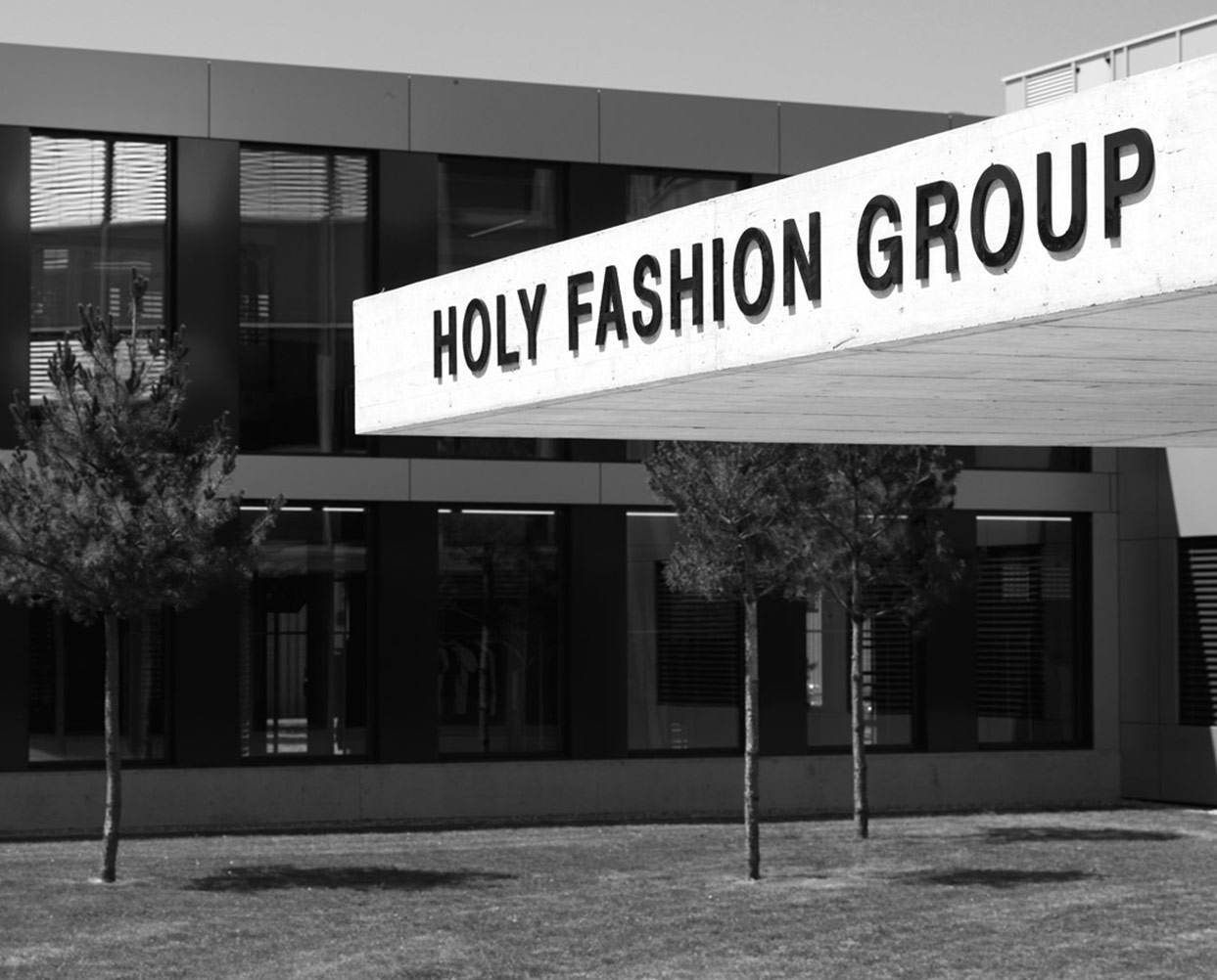 windsor brands were brought together under one roof at the holy fashion group head office in kreuzlingen although windsor gmbh remained in bielefeld