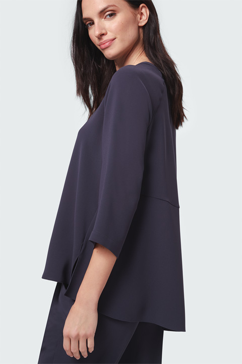 Crêpe-Bluse in Navy