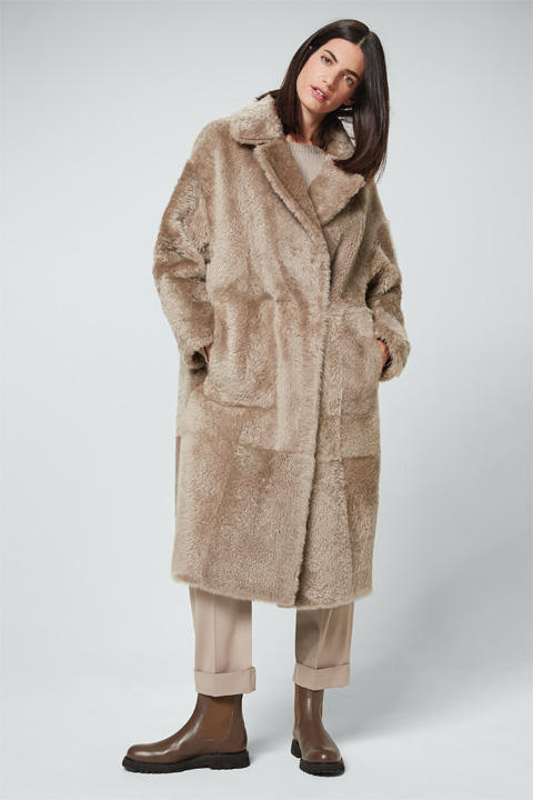 Smart Luxury Lammfell-Wendemantel in Beige-Racoon