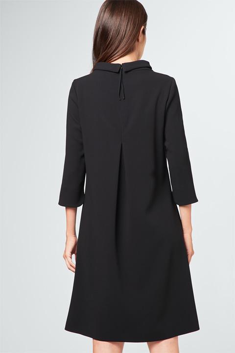 Wollcrêpe-Kleid in Schwarz