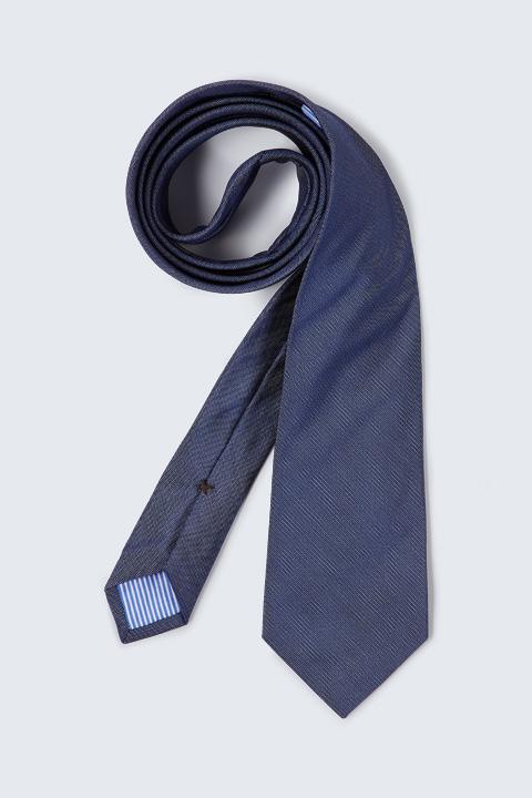 Krawatte in Dunkelblau