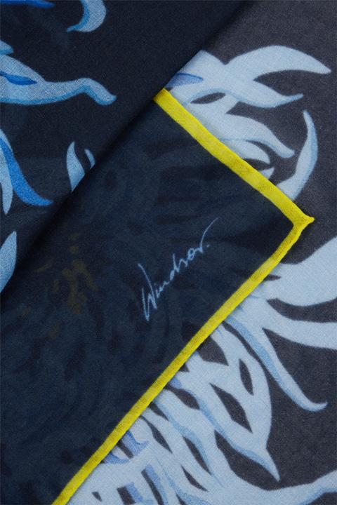 Tuch mit Flower-Print in Navy-Hellblau-Gelb