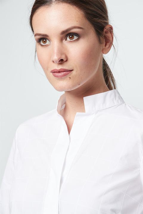 Bluse mit Karomuster-Struktur in Weiß