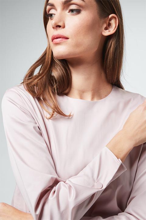 Baumwollsatin-Bluse in Puder-Rosé